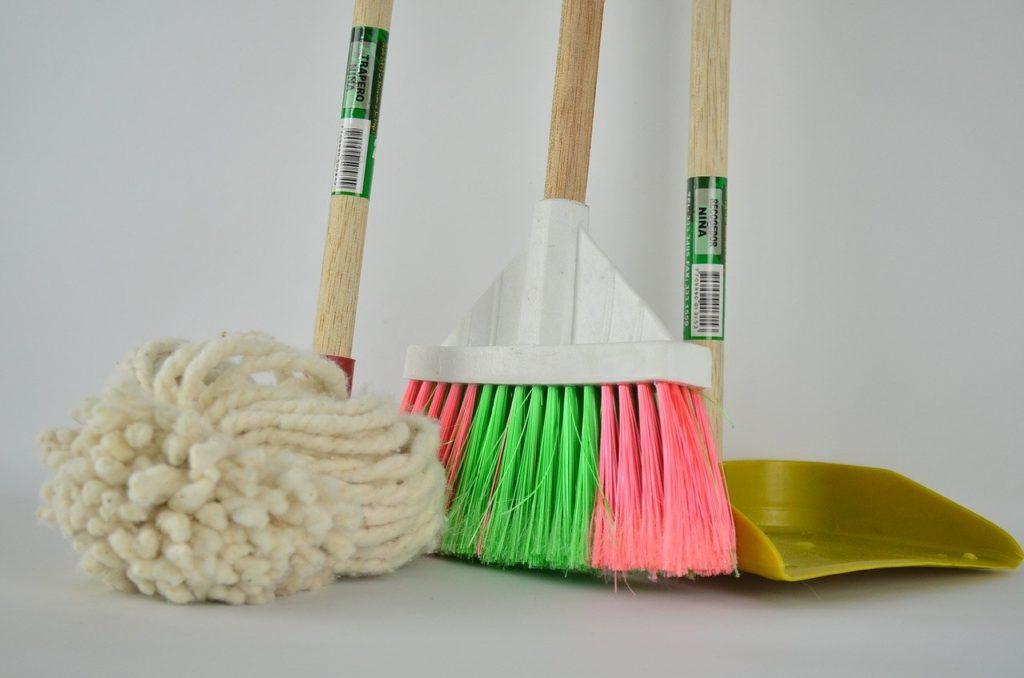 כלים לניקיון הבית
